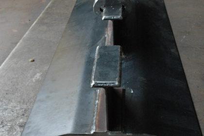 引っ張り試験機 治具製作 溶接品